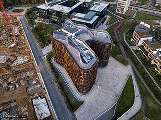 esperienza drone immagine portfolio architettura aerea laterale lontano diurna milano milanofiori nord cino zucchi.jpg