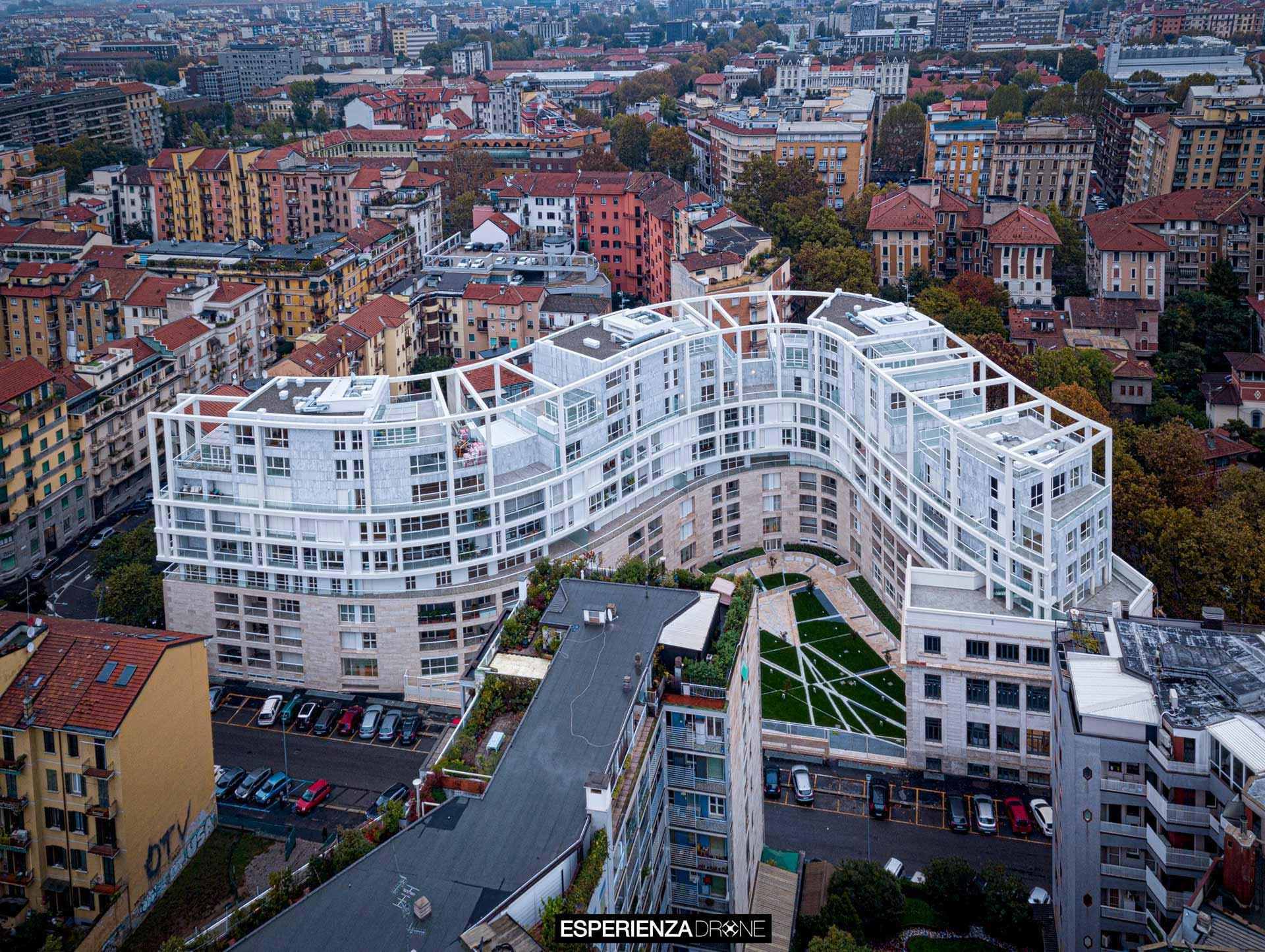 esperienza drone immagine portfolio architettura aerea zenitale diurna milano residenze carlo erba cinque 2.jpg