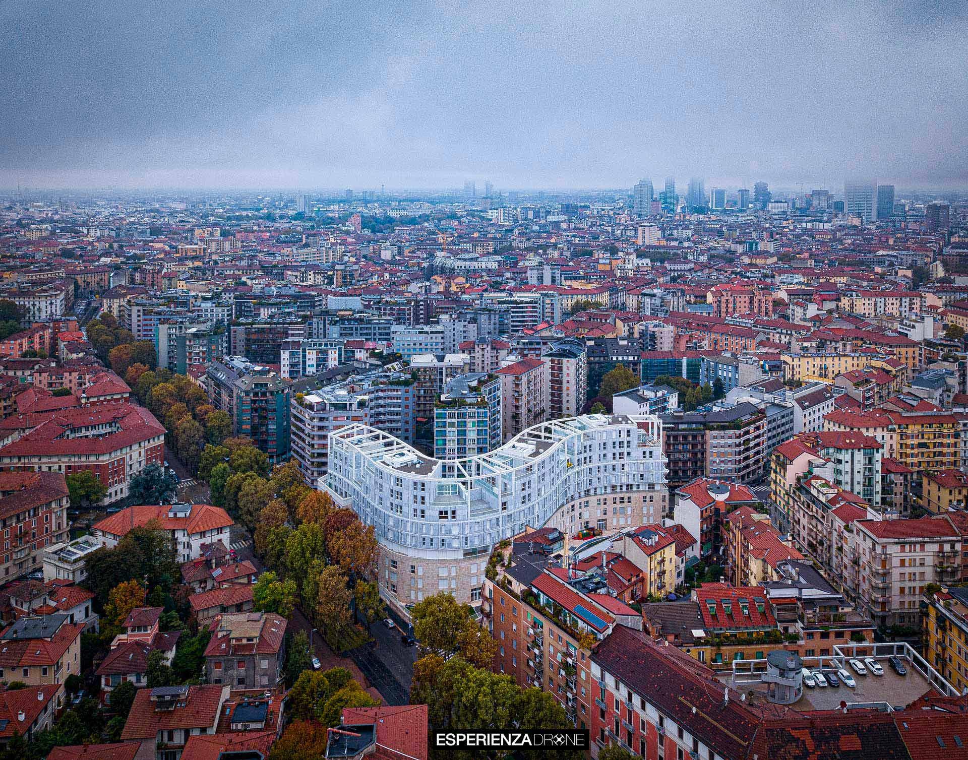 esperienza drone immagine portfolio architettura aerea zenitale diurna milano residenze carlo erba sei 3.jpg