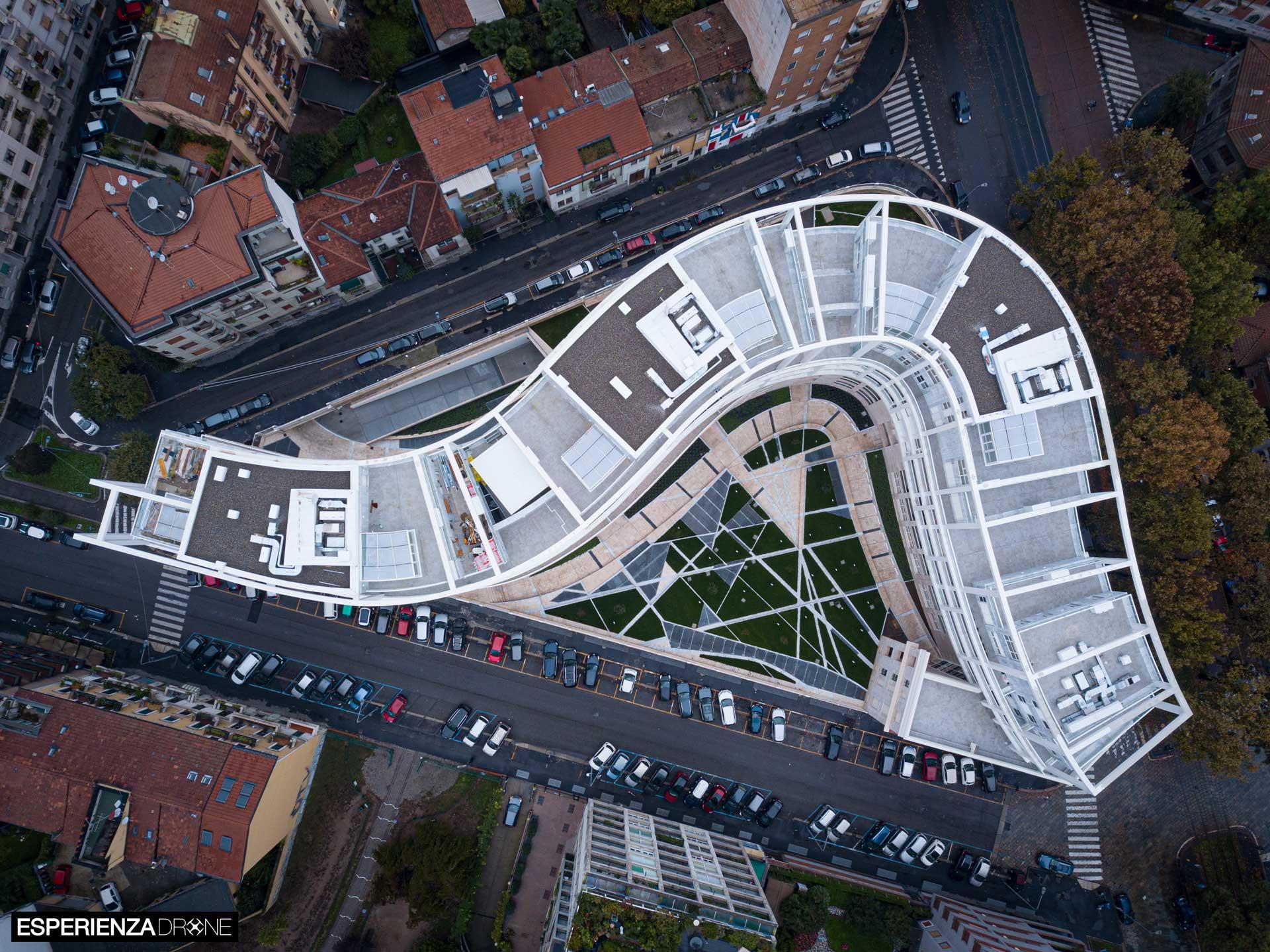 esperienza drone immagine portfolio architettura aerea zenitale diurna milano residenze carlo erba uno 1.jpg