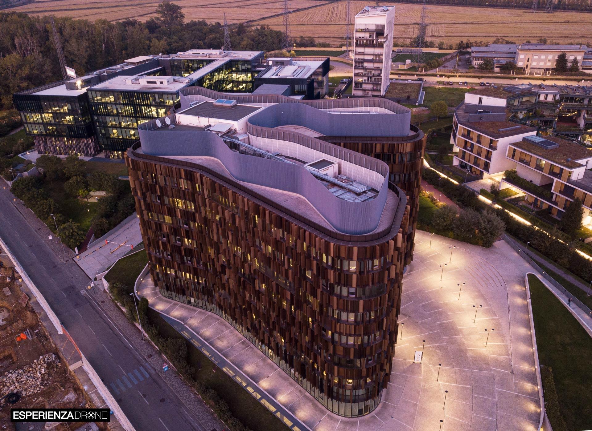 esperienza drone immagine portfolio architettura aerea zenitale diurna milanofiori nord cino zucchi sei 1.jpg