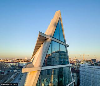esperienza drone immagine portfolio architettura edificio feltrinelli tetto colmo milano.jpg