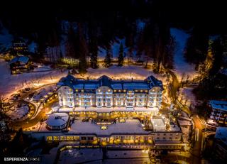 esperienza drone immagine portfolio turismo promozione territorio italia antiche residenze castelli alberghi hotel cristallo cortina ampezzo 1.jpg