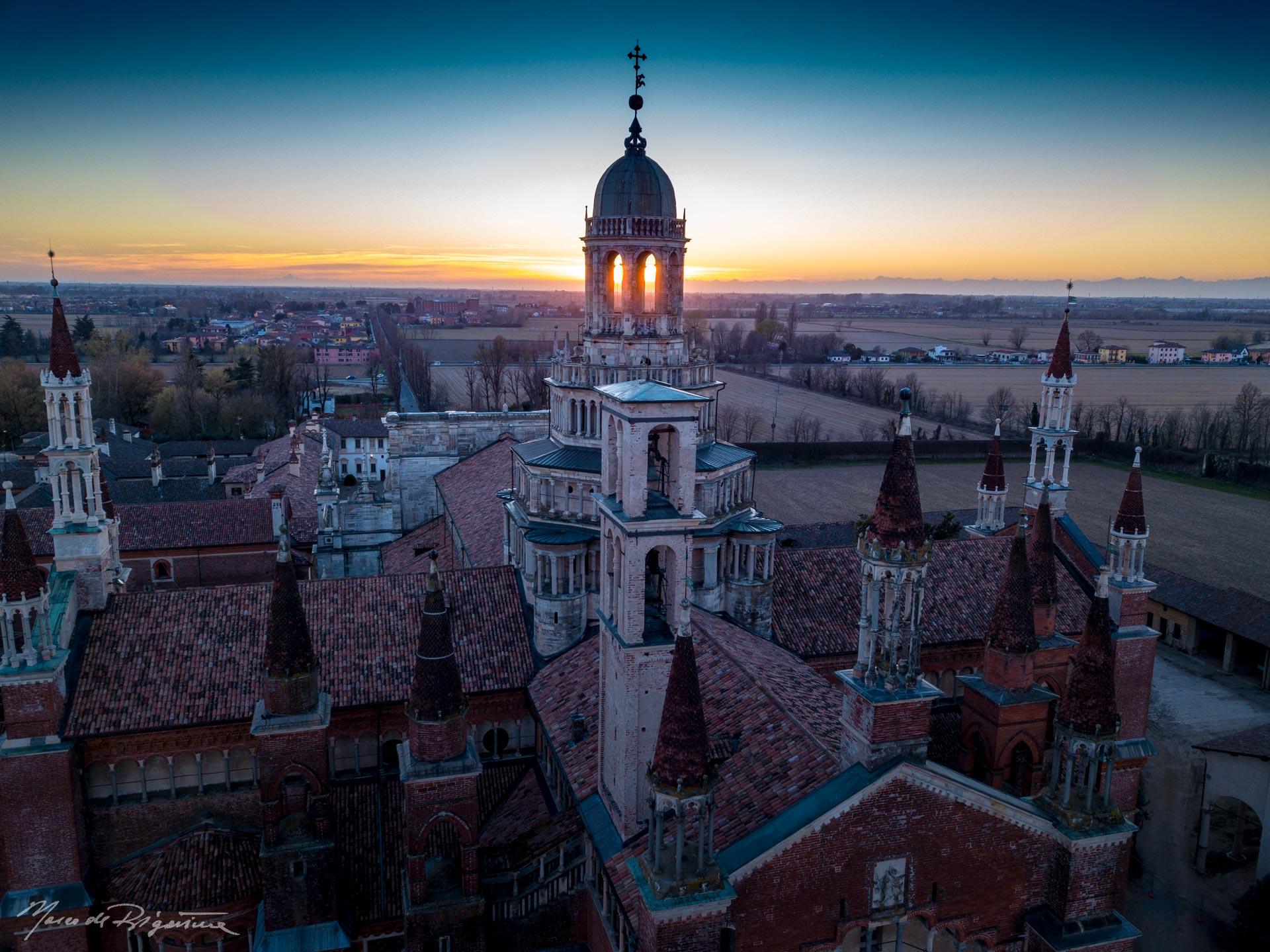 esperienza drone immagine portfolio turismo promozione territorio italia antiche residenze castelli alberghi hotelcertosa pavia ora blu sei.jpg