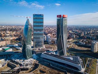 sperienza drone fotografia aerea costruzione torri citylife milano cinque.jpg