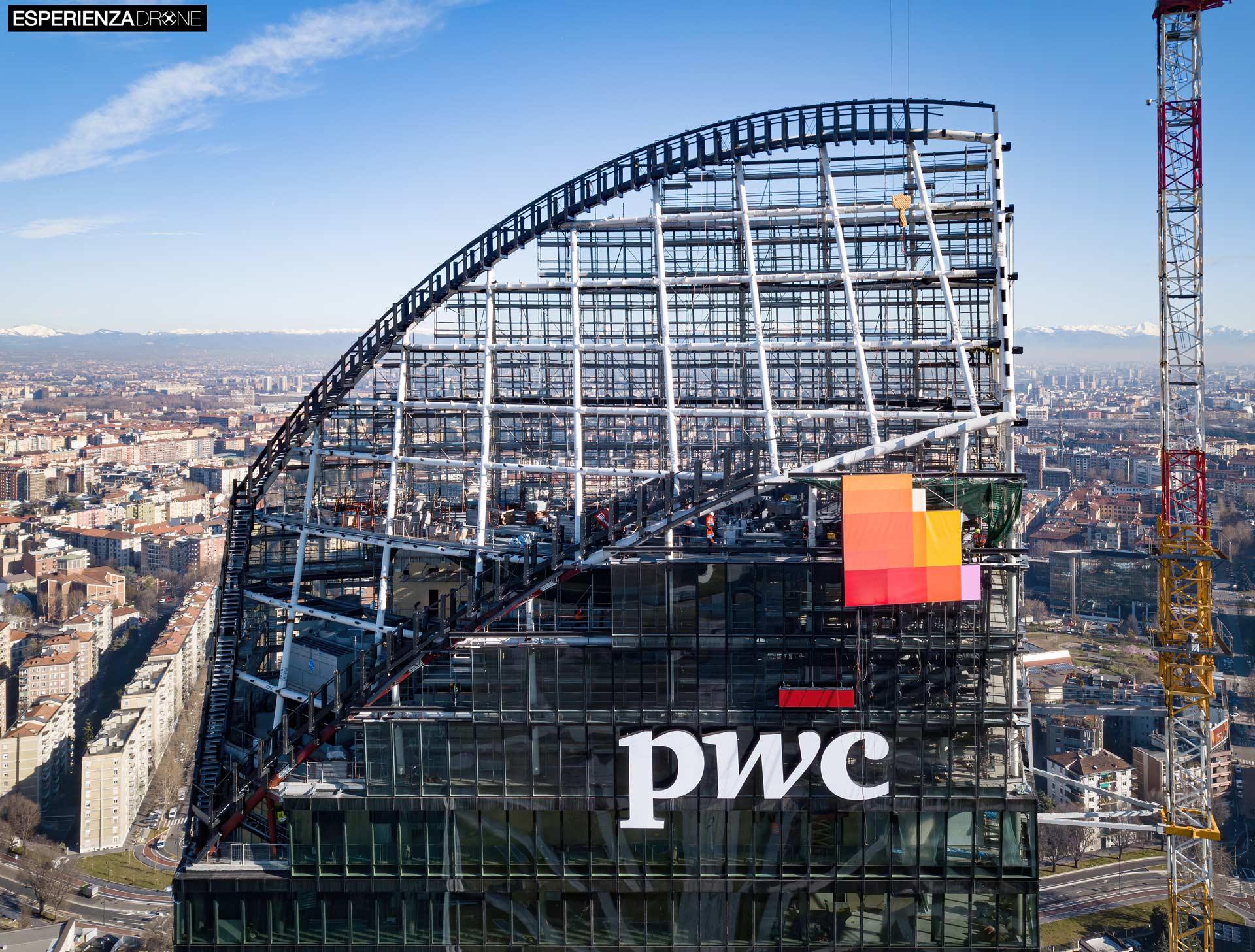 esperienza drone fotografia aerea costruzione torri citylife milano dieci.jpg