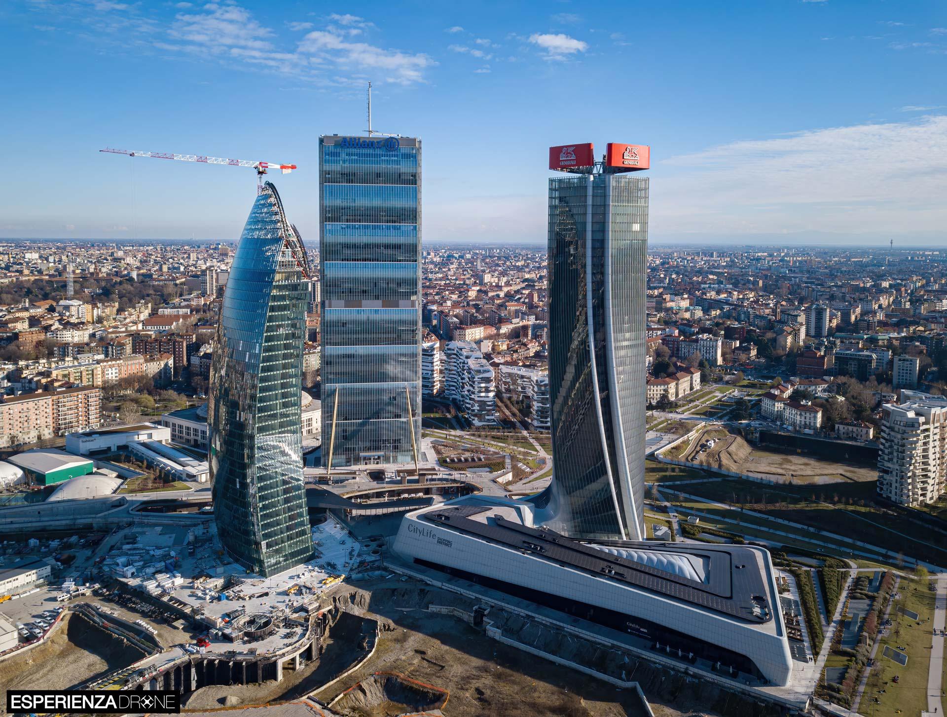 esperienza drone fotografia aerea costruzione torri citylife milano undici.jpg