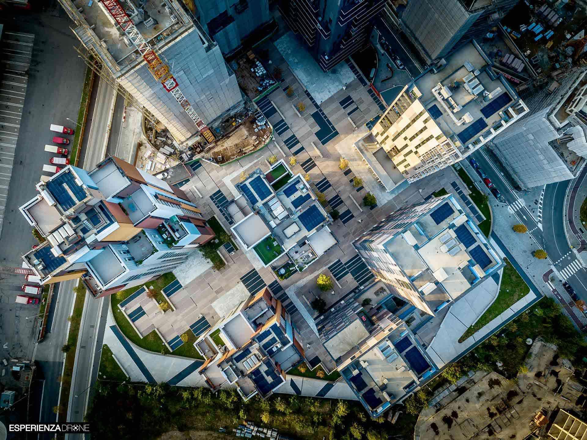 esperienza drone immagine aerea zenitale portfolio architettura complesso cascina merlata milano.jpg