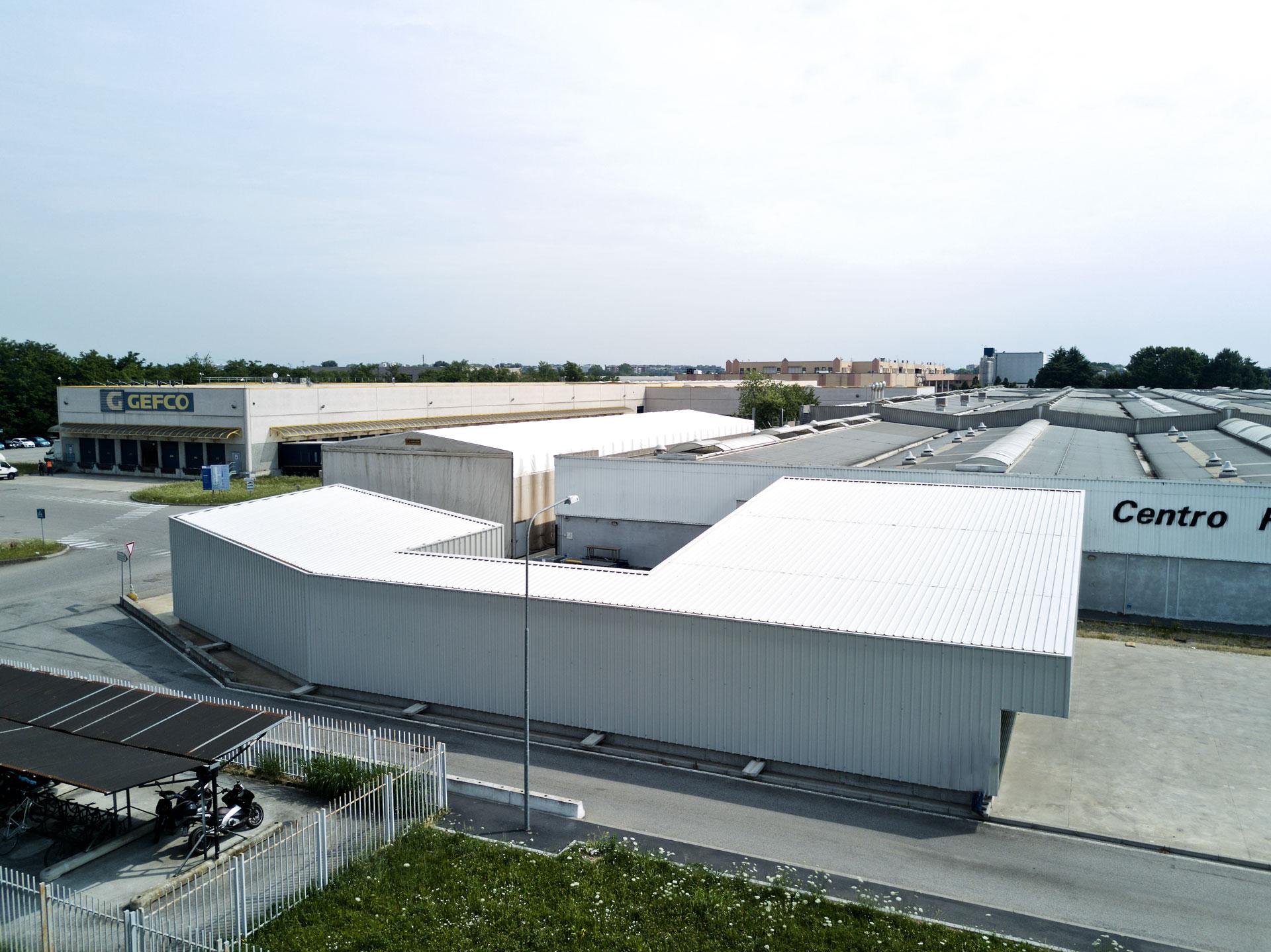 esperienza drone immagine aerea portfolio cantiere architettura milano studio gdmp costruzione magazzino quattro 2.jpg