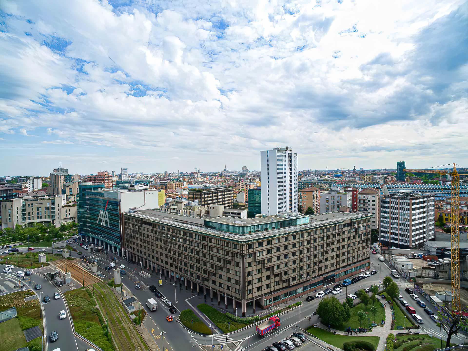 esperienza drone immagine aerea portfolio panoramica architettura milano piuarch_porta_garibaldi.jpg