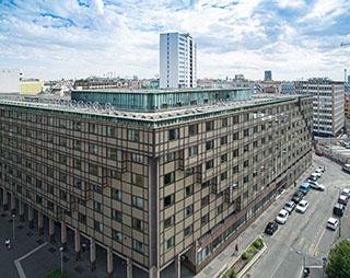 esperienza drone immagine aerea portfolio panoramica ravvicinata architettura milano piuarch_porta_garibaldi studio recupero edilizio 1.jpg