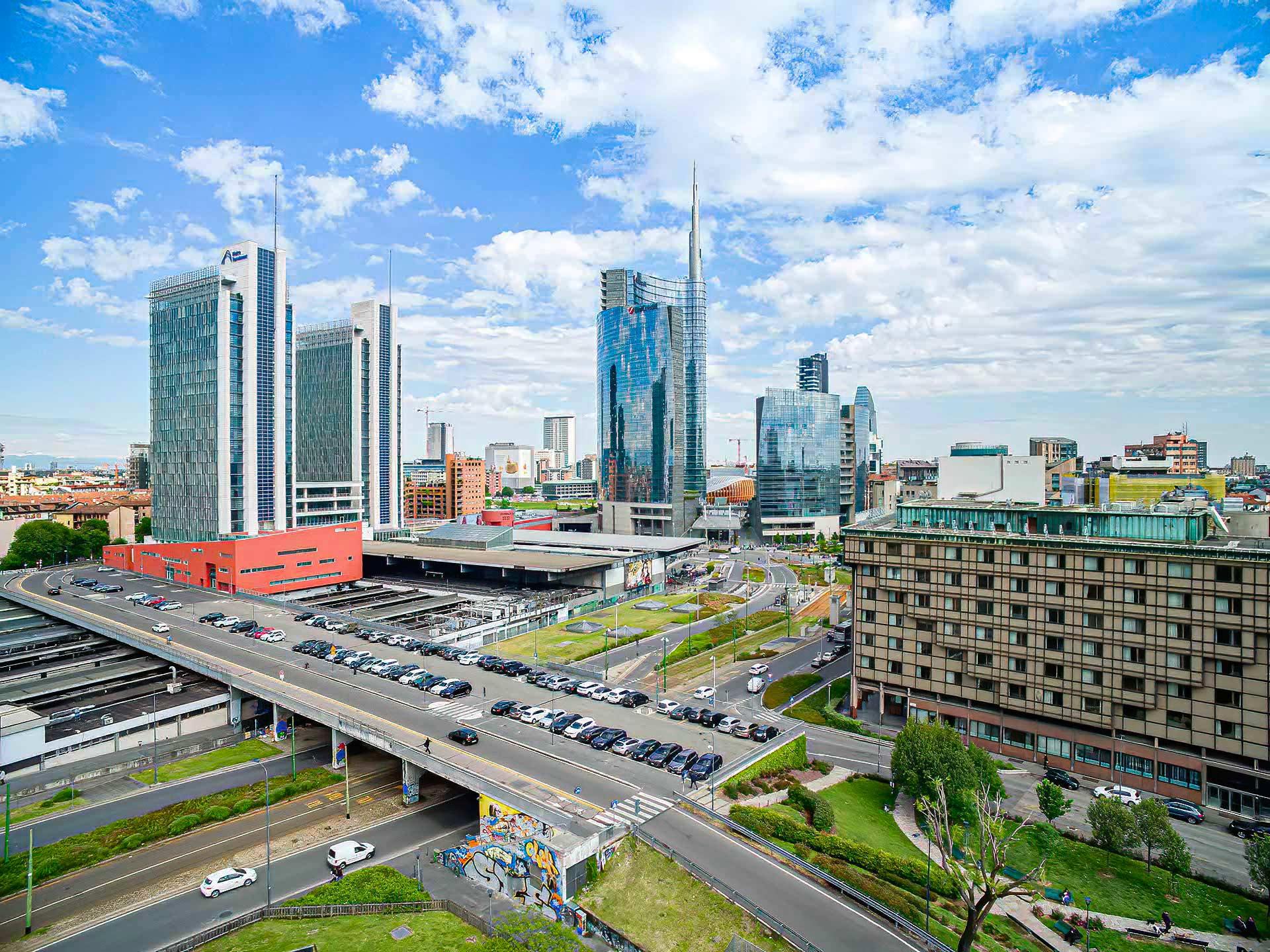 esperienza drone immagine aerea portfolio panoramica ravvicinata architettura milano piuarch_porta_garibaldi studio recupero edilizio.jpg