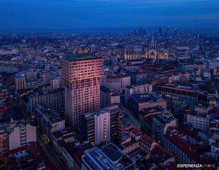 esperienza drone portfolio fotografia aerea architettura milano torre velasca sei.jpg